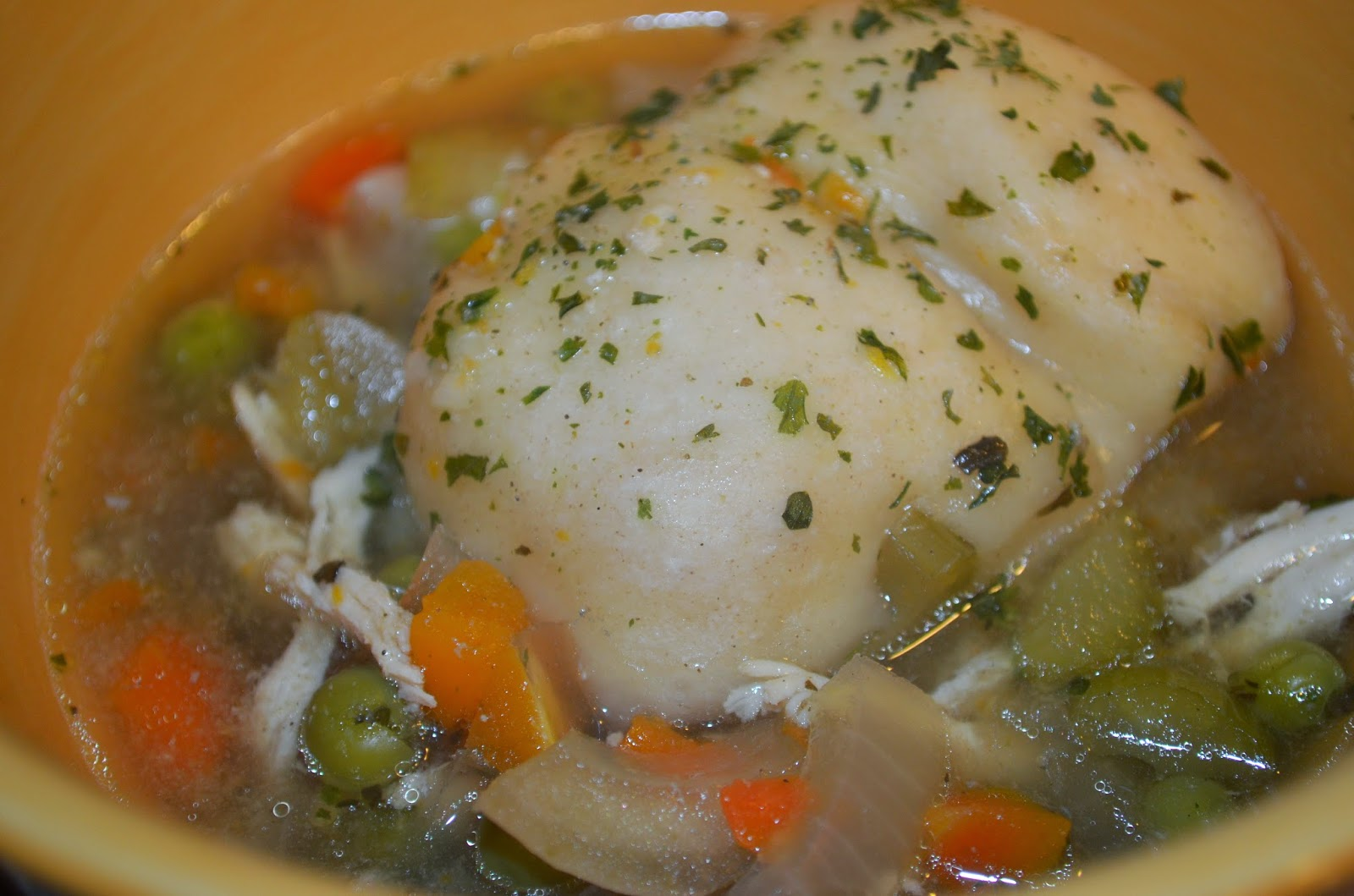 Erin Traill, Diamond Beachbody Coach, chicken and dumplings, healthy recipe, clean eating, soup, fit mom, fitness, quick healthy meal, crock pot recipe, comfort food made healthy