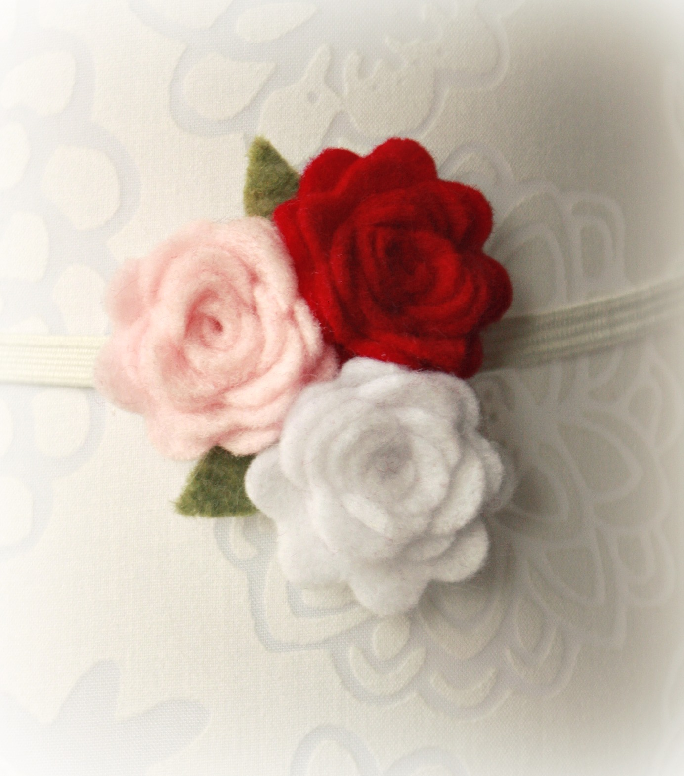 That Morris Family Valentine Felt Flower Headband Tutorial