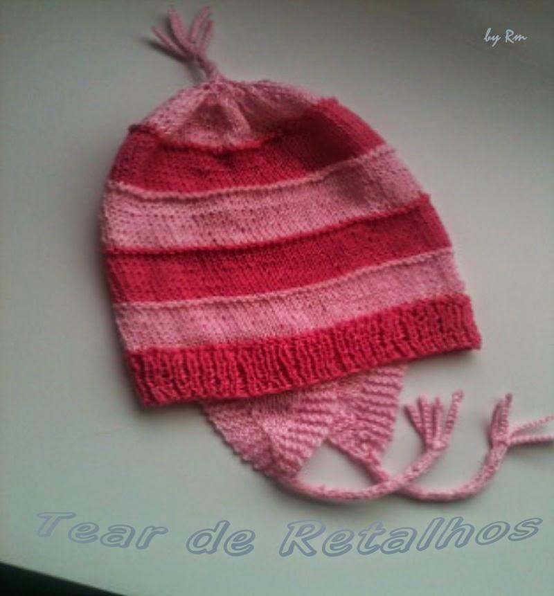 Gorro infantil de tricô, listrado de rosa, parecido com a toca usada pela órfã Edith do filme Meu Malvado Favorito