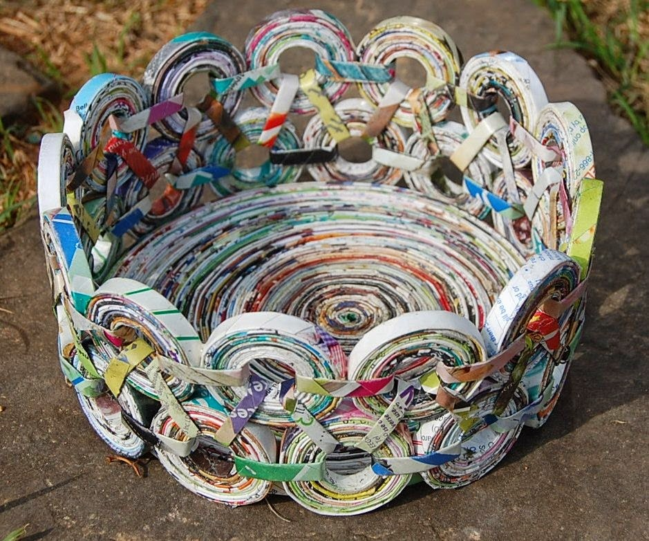 How to recycle rolled and folded magazine pages projects for How to recycle old magazines