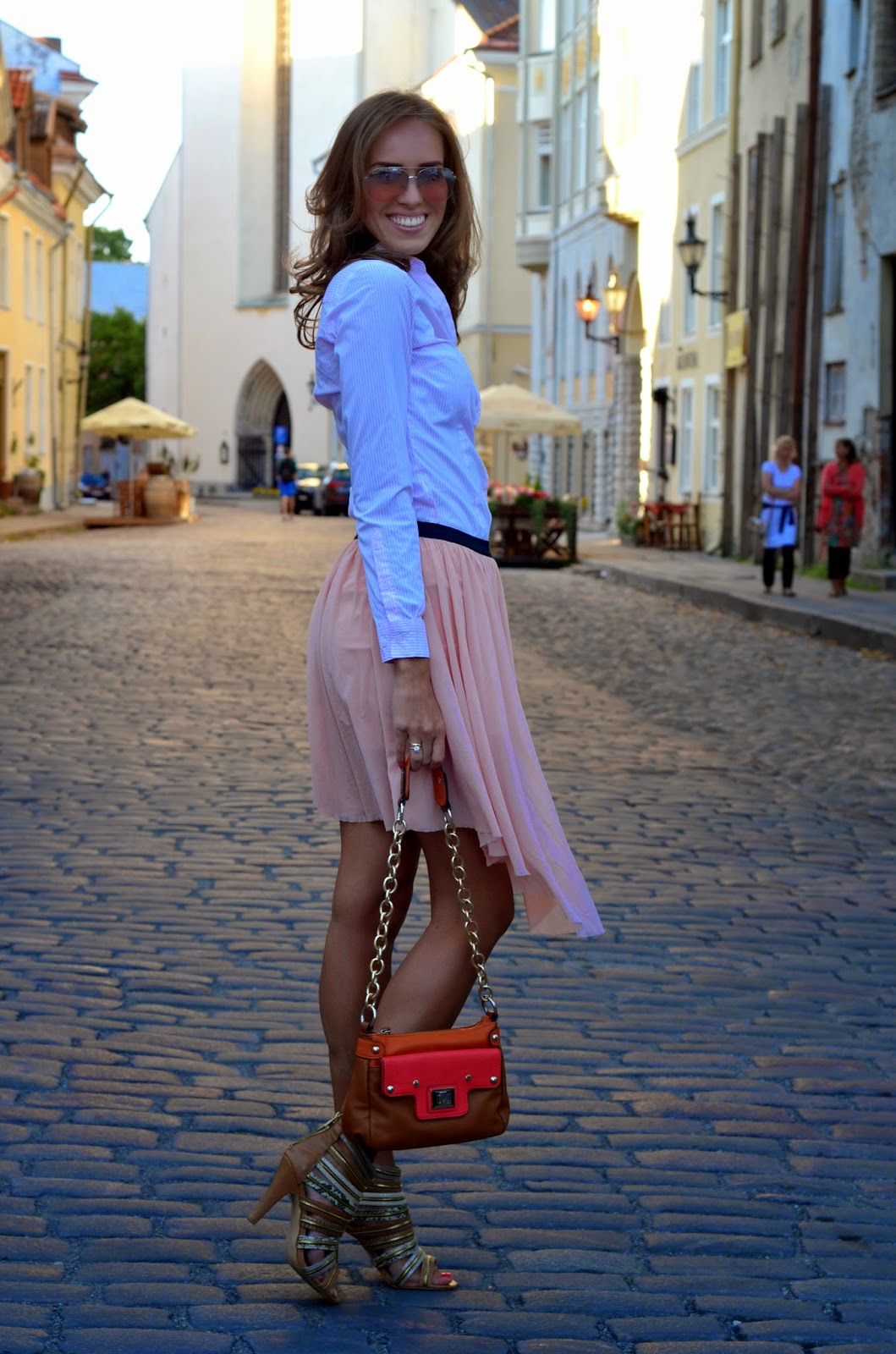 hm striped shirt bershka skirt mango sunglasses