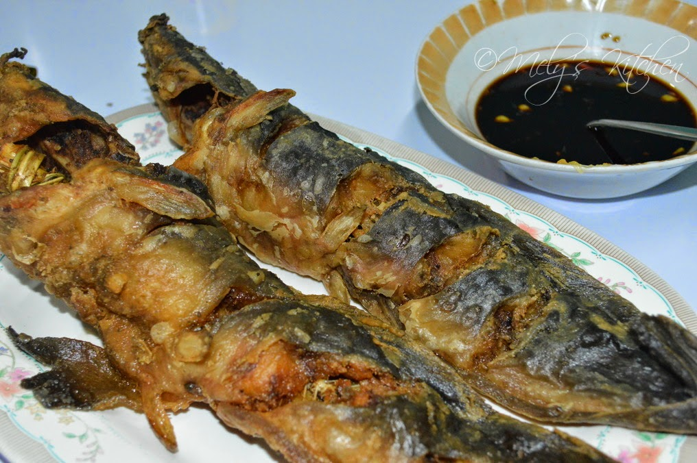 Mely 39 s kitchen deep fried catfish for Best fish to deep fry