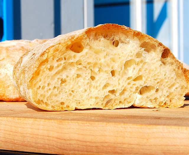 Italian Ciabatta, a vegan recipe. Easy and foolproof.