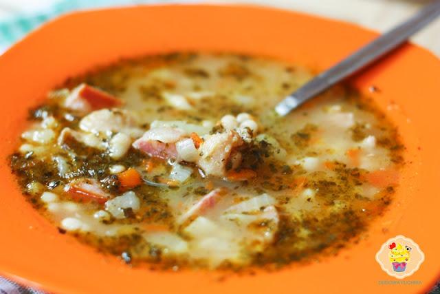 zupa fasolowa, fasolówka, tradycyjna zupa fasolowa,