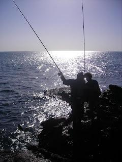 http://4.bp.blogspot.com/-k6CAku7yTYI/Ta6tczjOr0I/AAAAAAAACL8/SS7YOBpuNqQ/s320/pai_filho_pesca.jpg