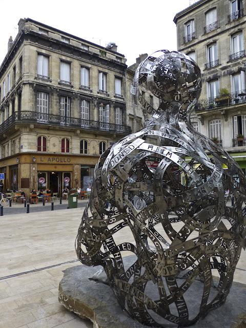 Place Fernand Lafargue, Burdeos - Plensa por El Guisante Verde Project