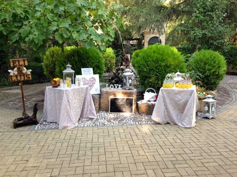 boda; mesa de bienvenida; limonada
