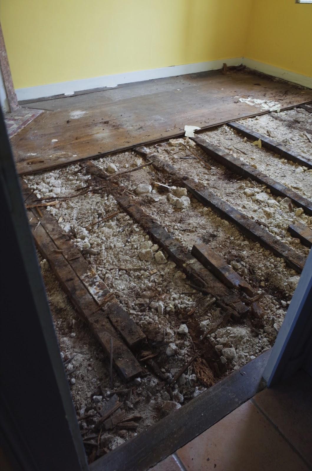 Toi et bois r fection d 39 un parquet en bois massif sur for Pose de parquet sur lambourde