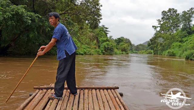 Tailandia ChiangMai canoa bambu