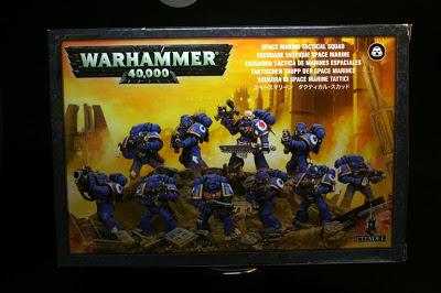 Portada de la caja de Marines Espaciales de Warhammer 40000