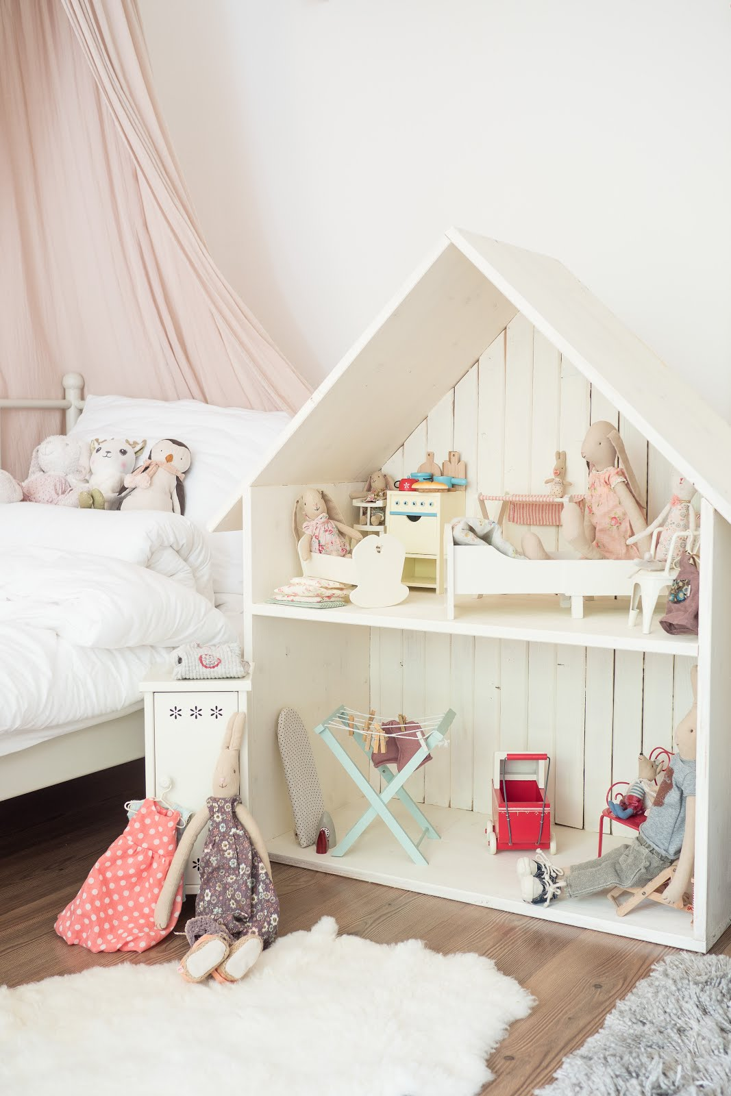 Maileg bunny house