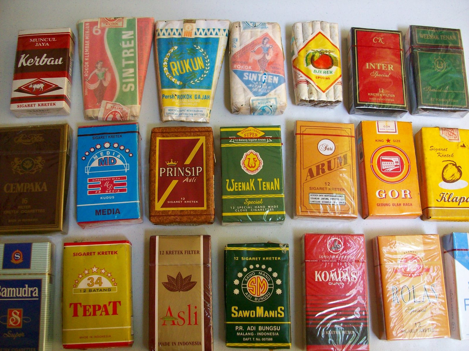 catatan kehidupan perabot jadul dan rokok kung
