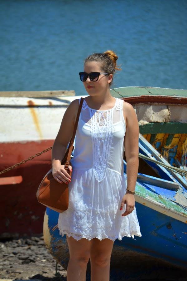 look_outfit_vestido_blanco_crochet_encaje_sandalias_bicolor_nudelolablog_05