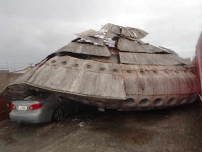 casa en forma de ovni aplasta auto en brasil