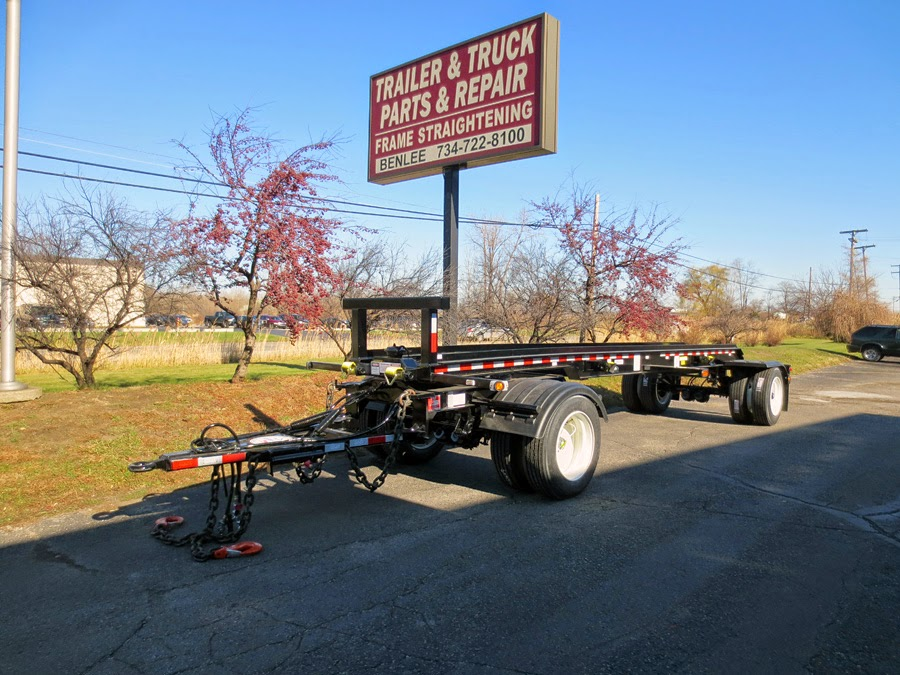 Pup trailer, roll off trailers for sale at Benlee