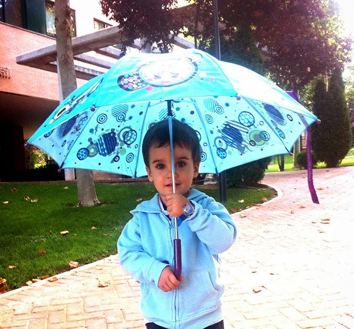 Pablo, lluvia, blog de moda infantil