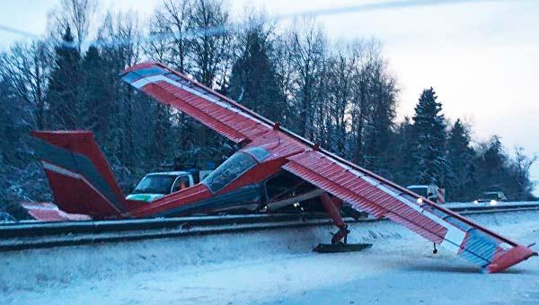 Самолёт жёстко сел на Ярославку. Сергиев Посад. Фото: © РИА Новости. Евгений Филиппов