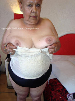 lovely granny flashing her saggy tits