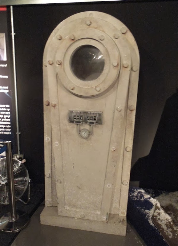 Doctor Who A Christmas Carol cryogenic storage unit prop