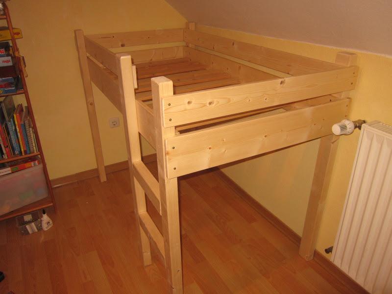 nadelzauber ein selbstgezimmertes freestyle mini hoch bett. Black Bedroom Furniture Sets. Home Design Ideas