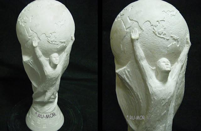 Escultura de la copa FIFA hecha por ªRU-MOR para surtidor de cerveza APLIMET2000