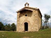 Vista frontal de la capella de Sant Josep de la masia de Campdeparets