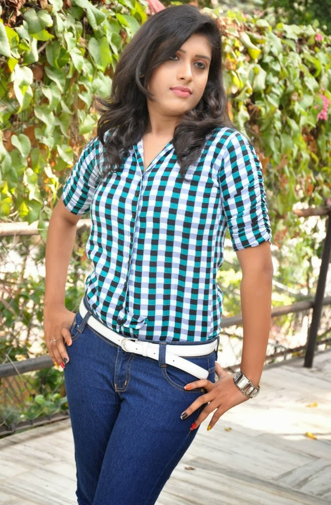 Liza Reddy Hot Photos