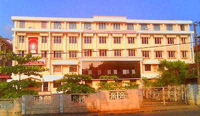 Dharmasthala Manjunatheshwara Law College on MG Road
