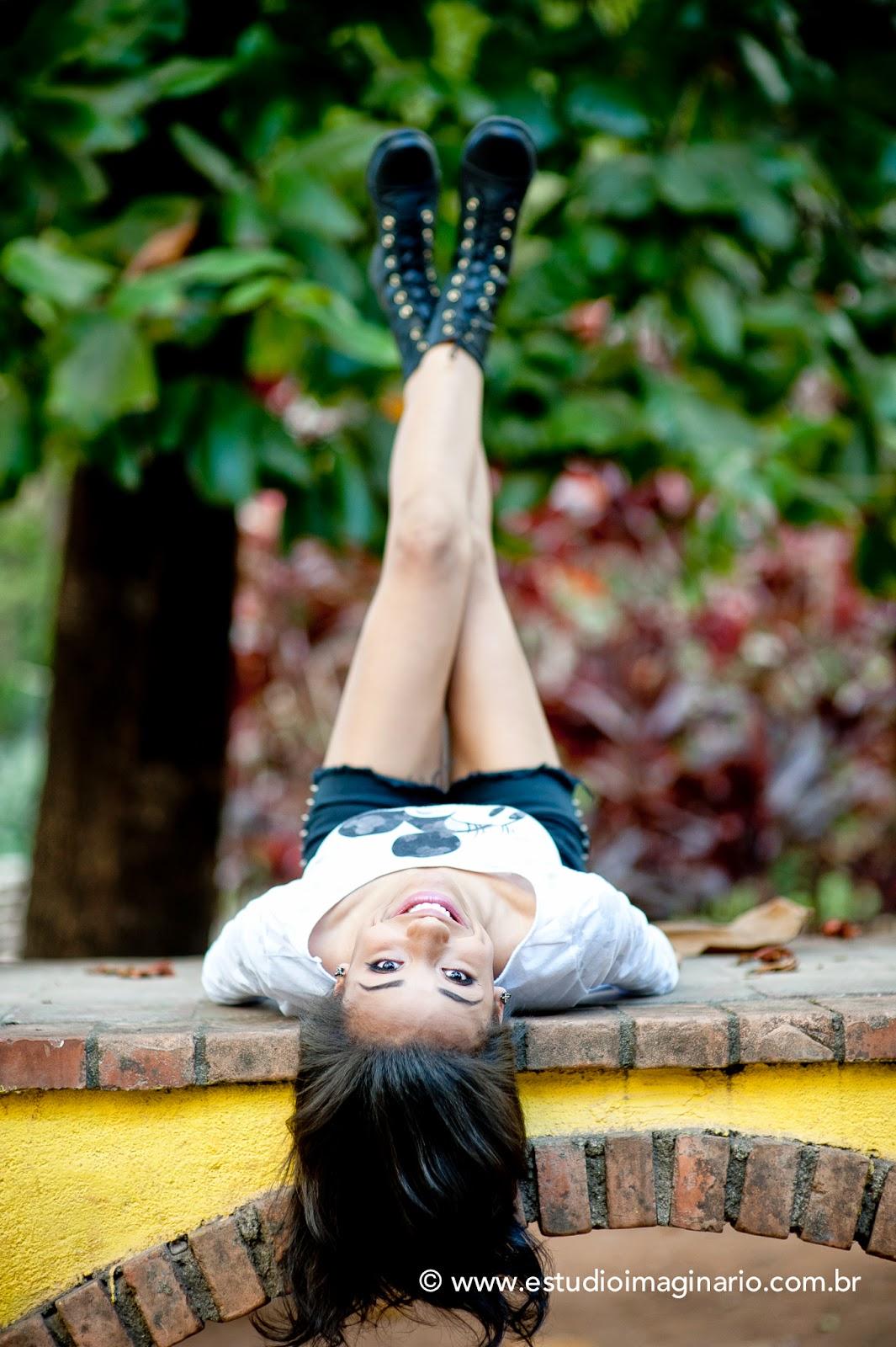Imagen de chica en rave adolescente