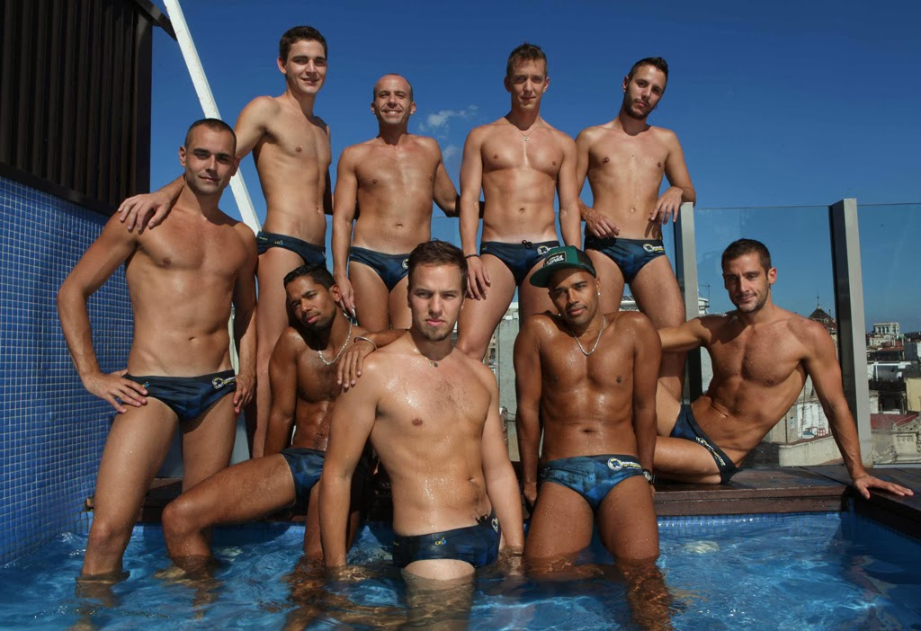 gay naked swim team
