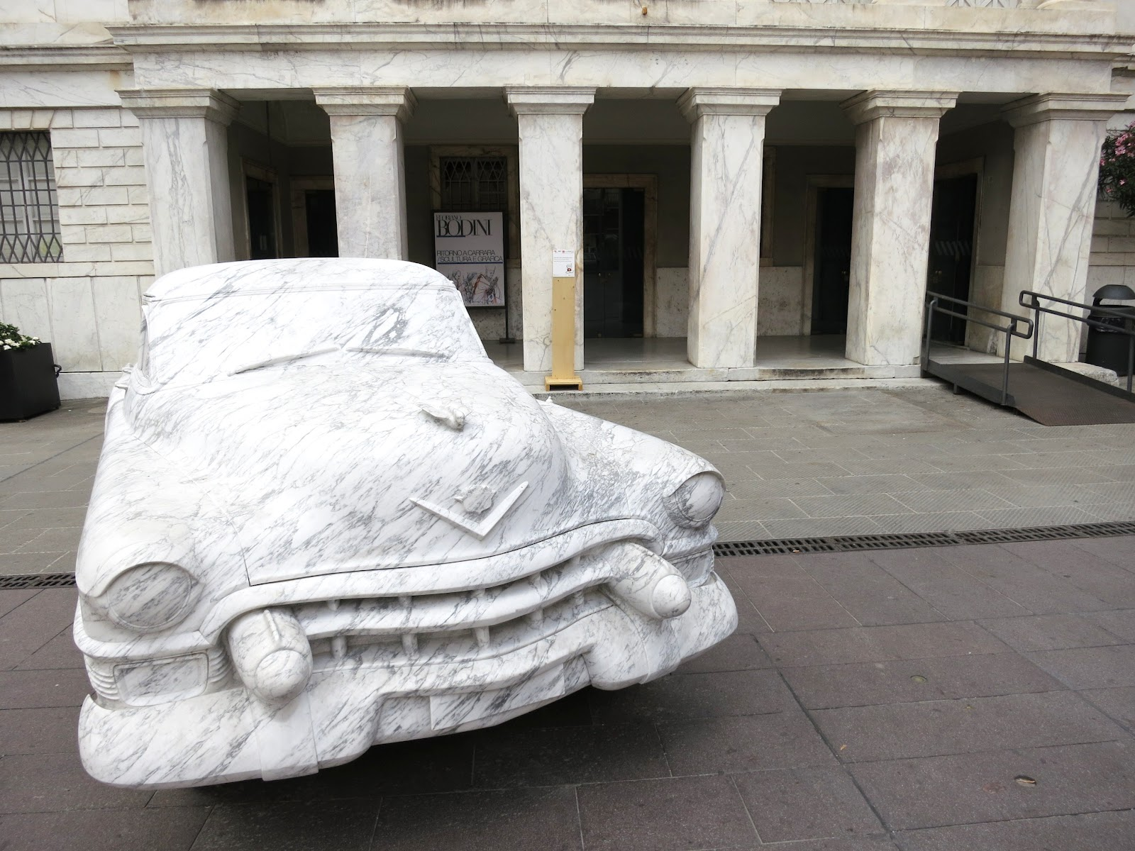 cadillac capital one html with Carrara Anarchy Michelangelo Marble on Carrara Anarchy Michelangelo Marble in addition El Vehiculo De Obama La Bestia Es Alimentado En Toluca 6a26905f76224410VgnVCM4000009bcceb0aRCRD besides Nashville Fashion Week 2015 additionally 1037602 Recession Lie See 10 Luxury Cars Nigerian Rulers Drove Sokoto Durbar likewise Best Time To Order A Corvette.