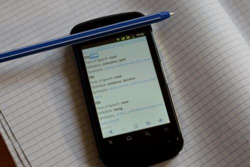Berdosa Jika Berprasangka Buruk Ke Atas Suami Seperti Intip SMS, WhatsApp Dan Facebook