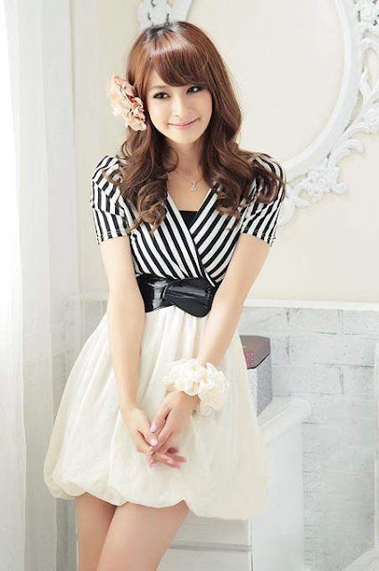 Dress Putih Hitam