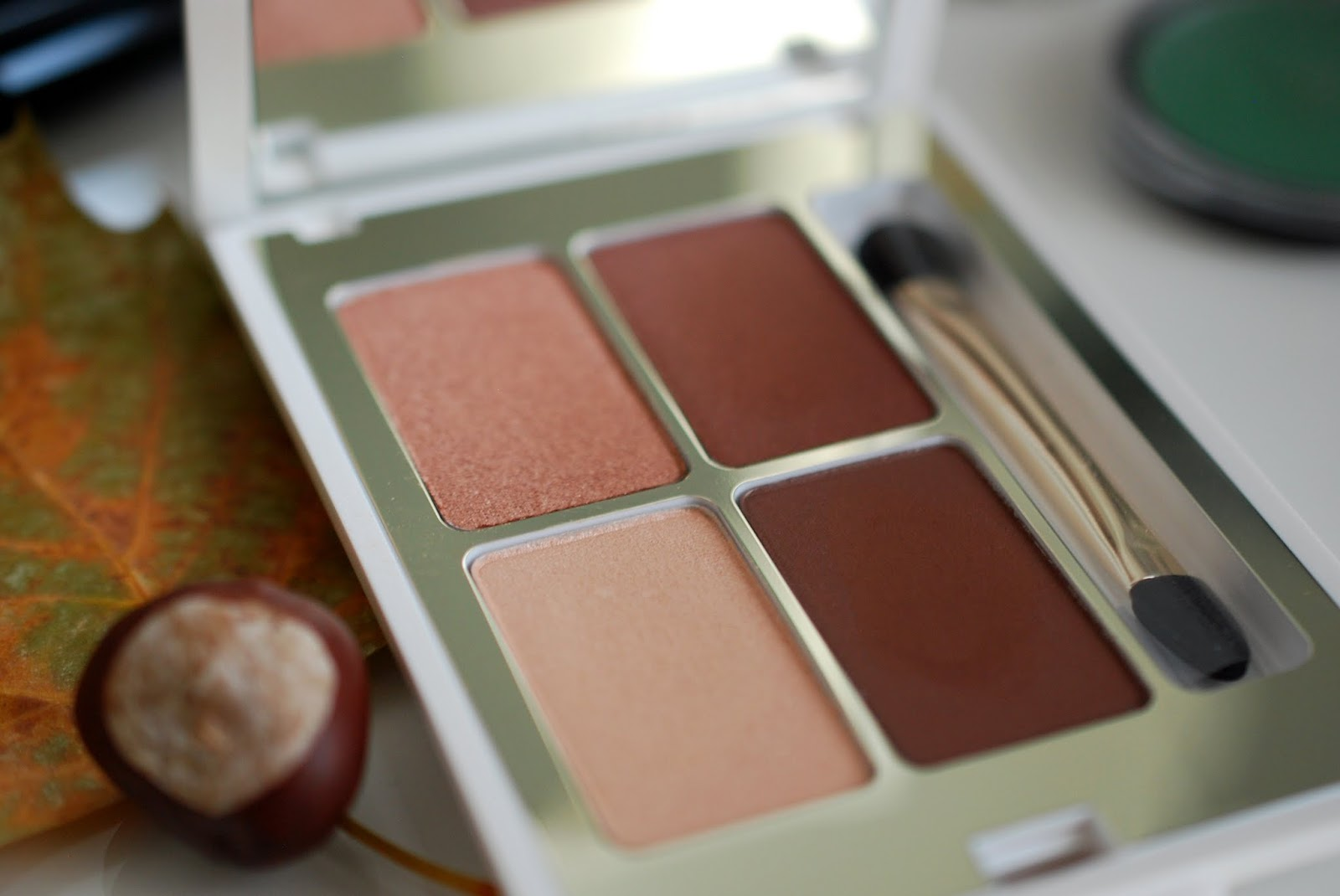 "KIKO Queen of Hearts Eyeshadow Palette 01 ""Essential Brown"""
