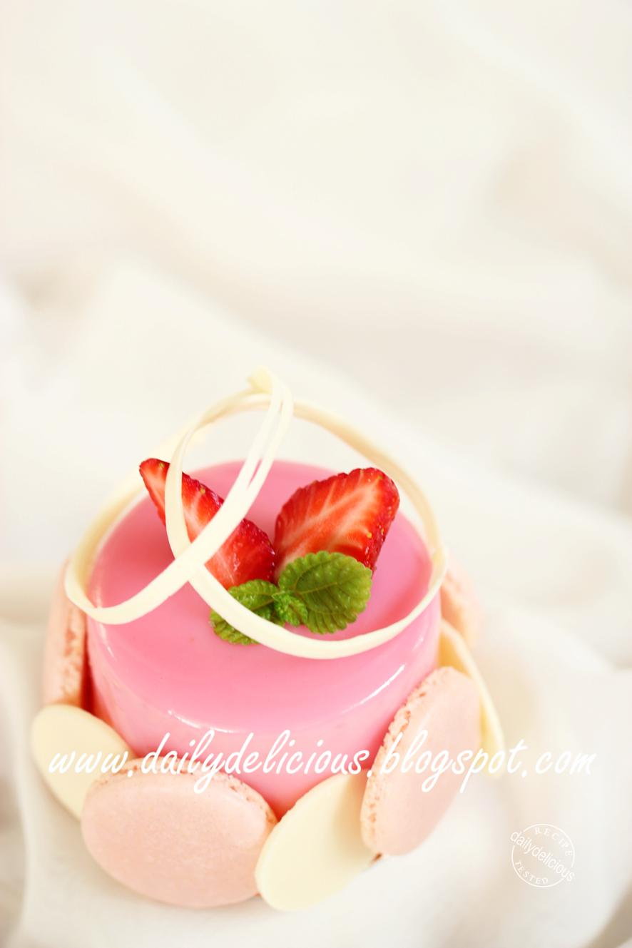 dailydelicious: Chaleur: Strawberry and white chocolate mousse ...
