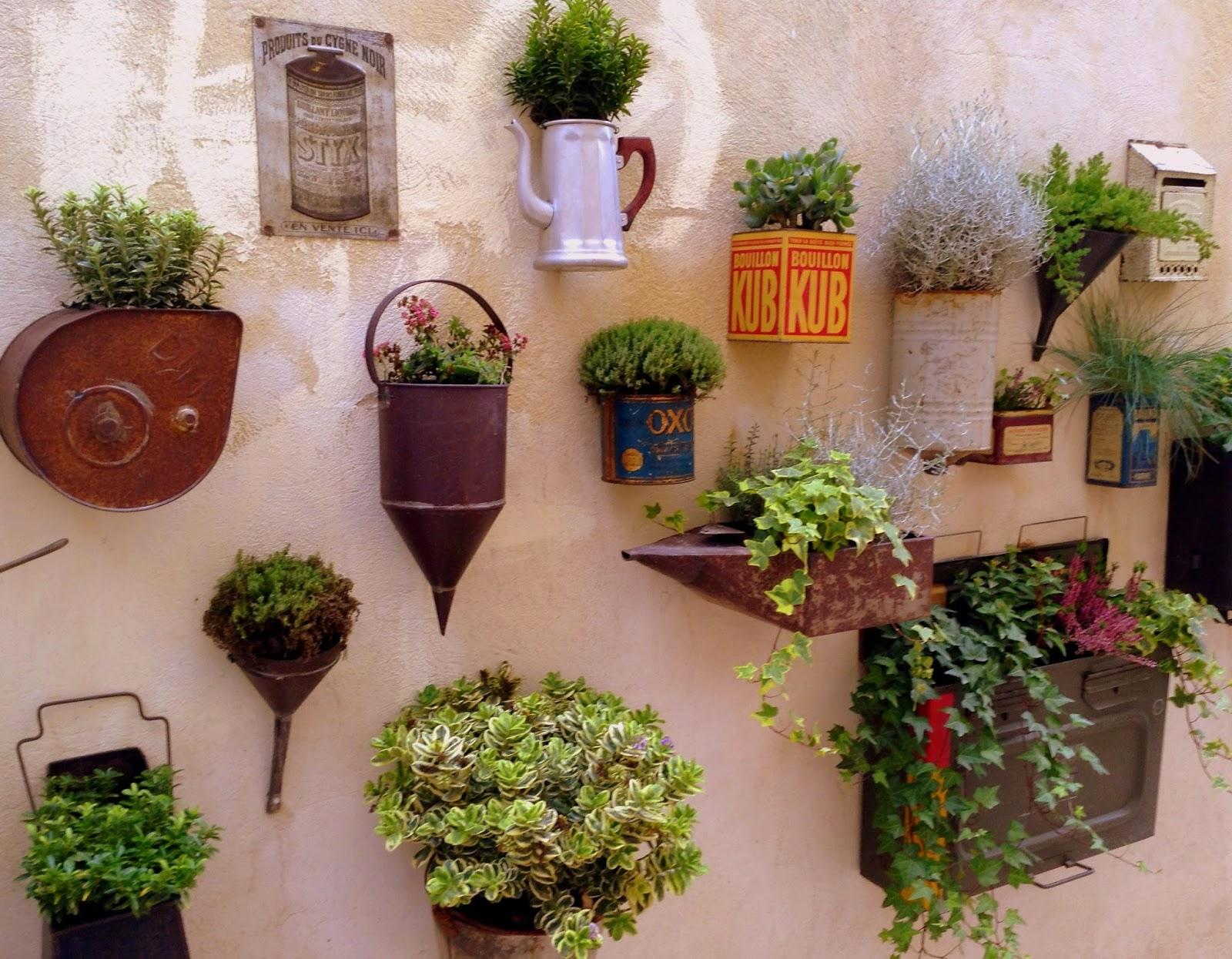 ambiances et gourmandises de mj petit jardin suspendu. Black Bedroom Furniture Sets. Home Design Ideas
