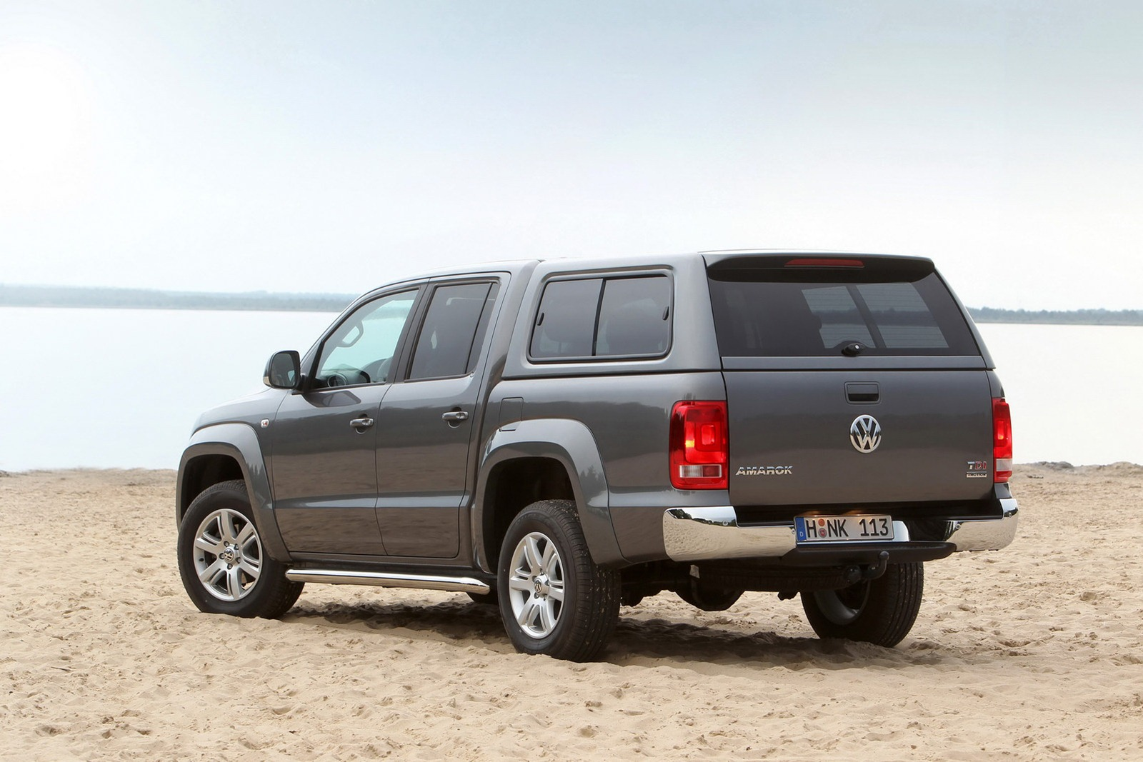 facelifted vw amarok reportedly coming in 2016 carscoops. Black Bedroom Furniture Sets. Home Design Ideas