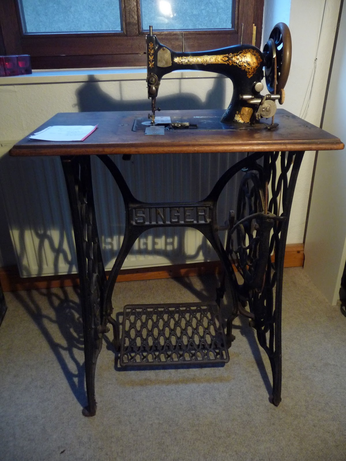 n hwerkzeug vintage n hmaschine mema. Black Bedroom Furniture Sets. Home Design Ideas
