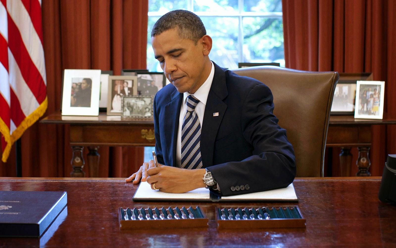 Tổng thống Mỹ Barack Obama cũng là người thuận tay trái