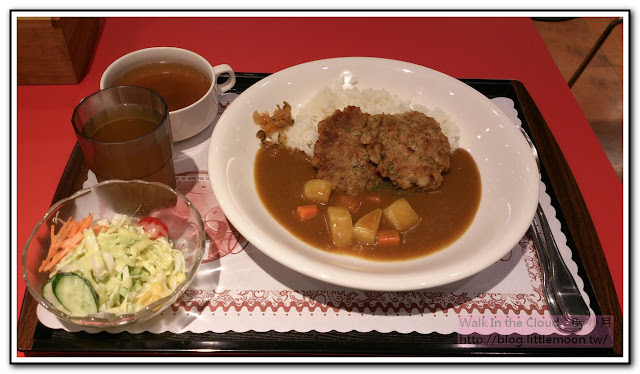 Moni 咖哩 - 漢堡肉咖哩飯 (200元)