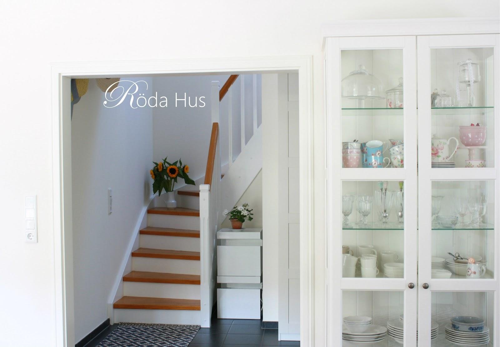 Schwedenhaus innen treppe  Treppe frisch gestrichen! – Röda Hus