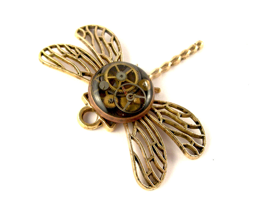 05-Artisan-Dragonfly-Pendant-Nicholas-Hrabowski-Steampunk-Jewelry-from-Recycled-Watches-and-Bullets-www-designstack-co
