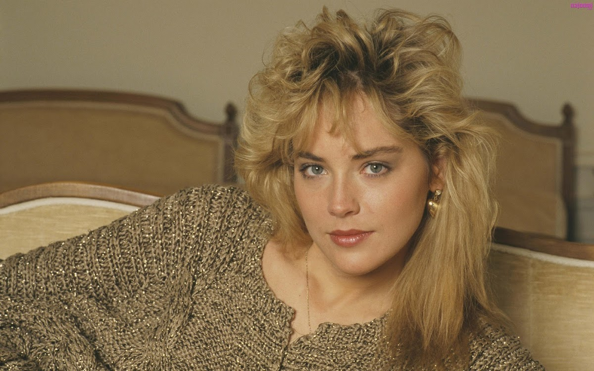 http://4.bp.blogspot.com/-kB5apIA1YXY/UJktTsyj_9I/AAAAAAAAe0E/4uRKXzNKyNk/s1200/Sharon-Stone-young-long-blonde-hair.jpg