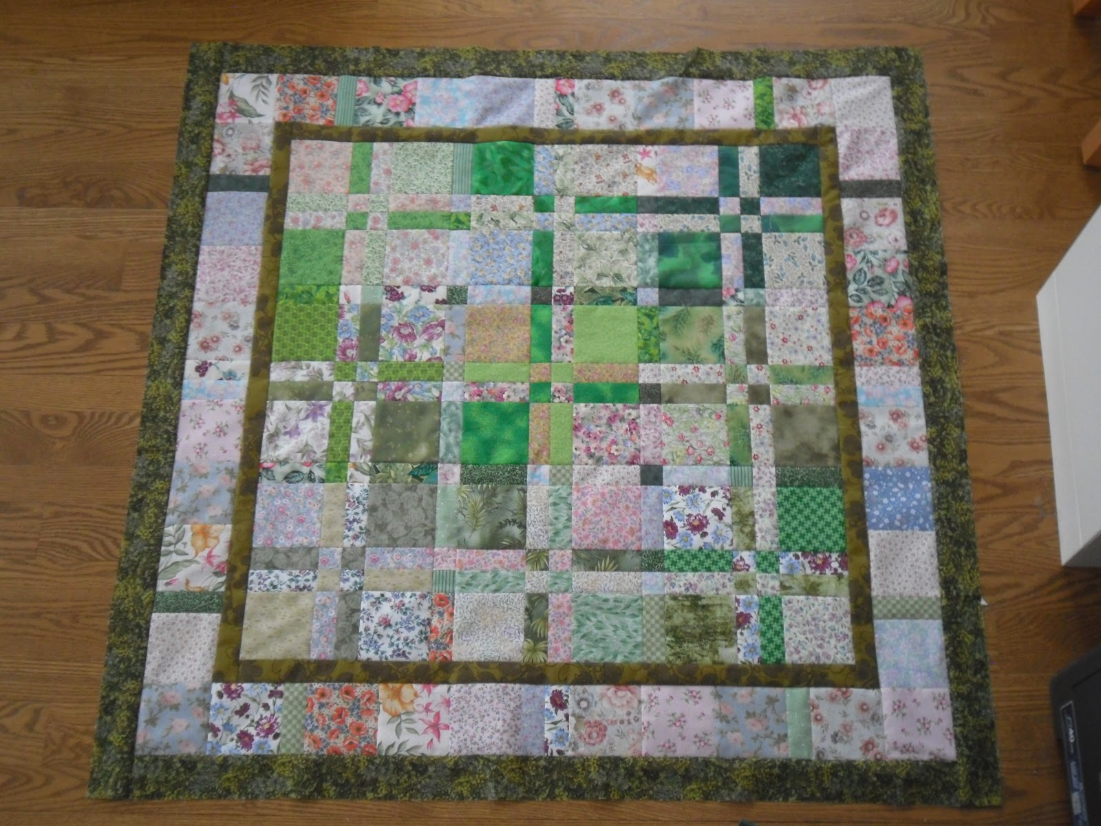 Books and Quilts: Needlework Tuesday - Disappearing 4 Patch ... : disappearing four patch quilts - Adamdwight.com