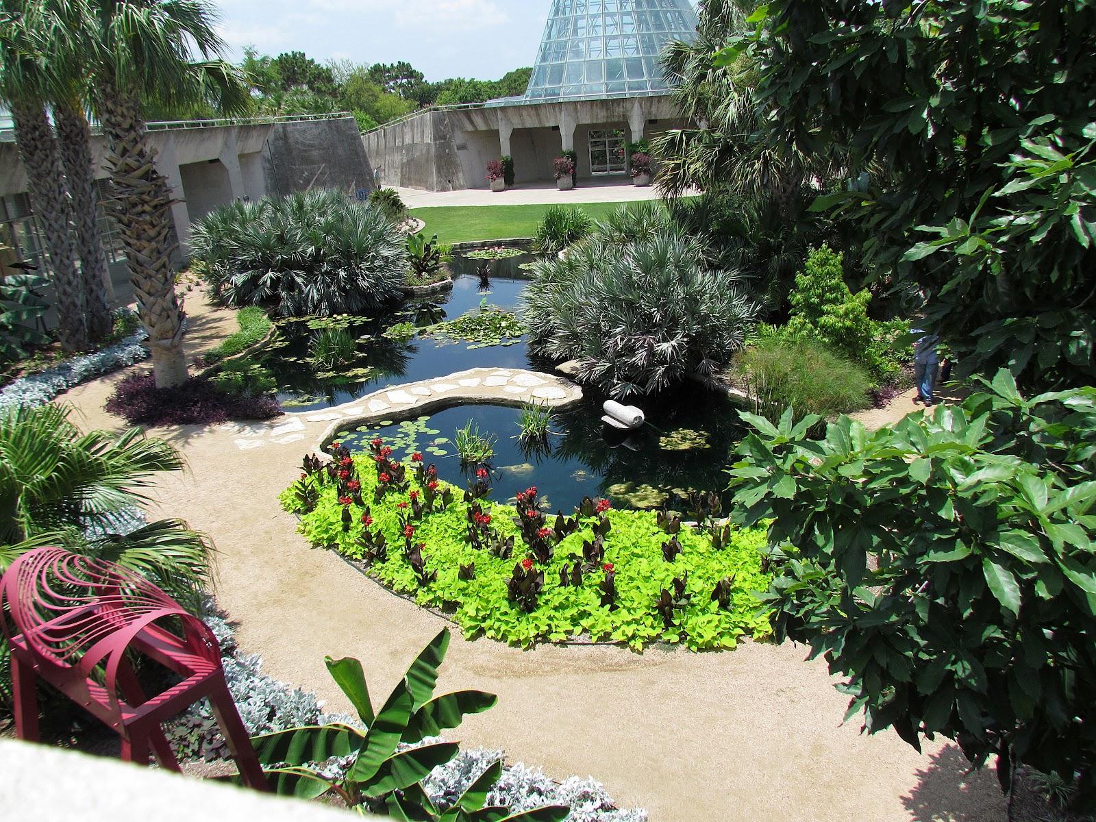Patchwork garden san antonio botanical gardens for Landscape gardeners