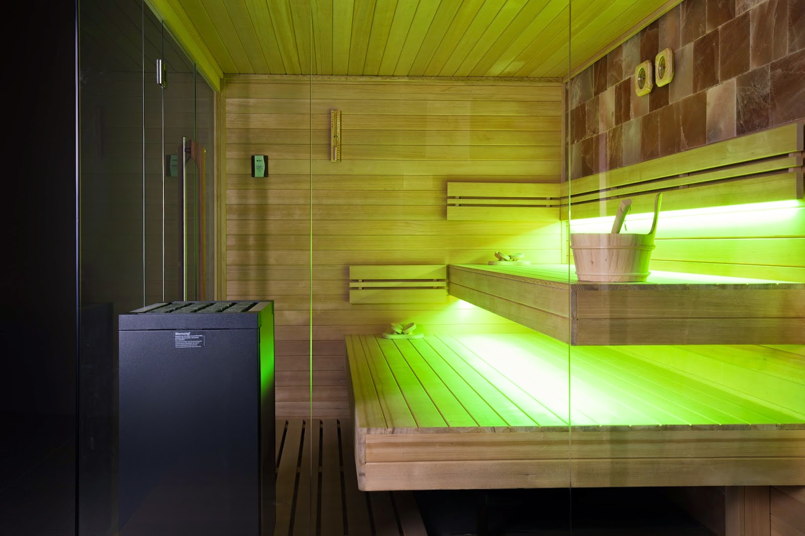 ZE11 - Zelien - showroom - panoramic glass - Sauna - floating benches - saltstone