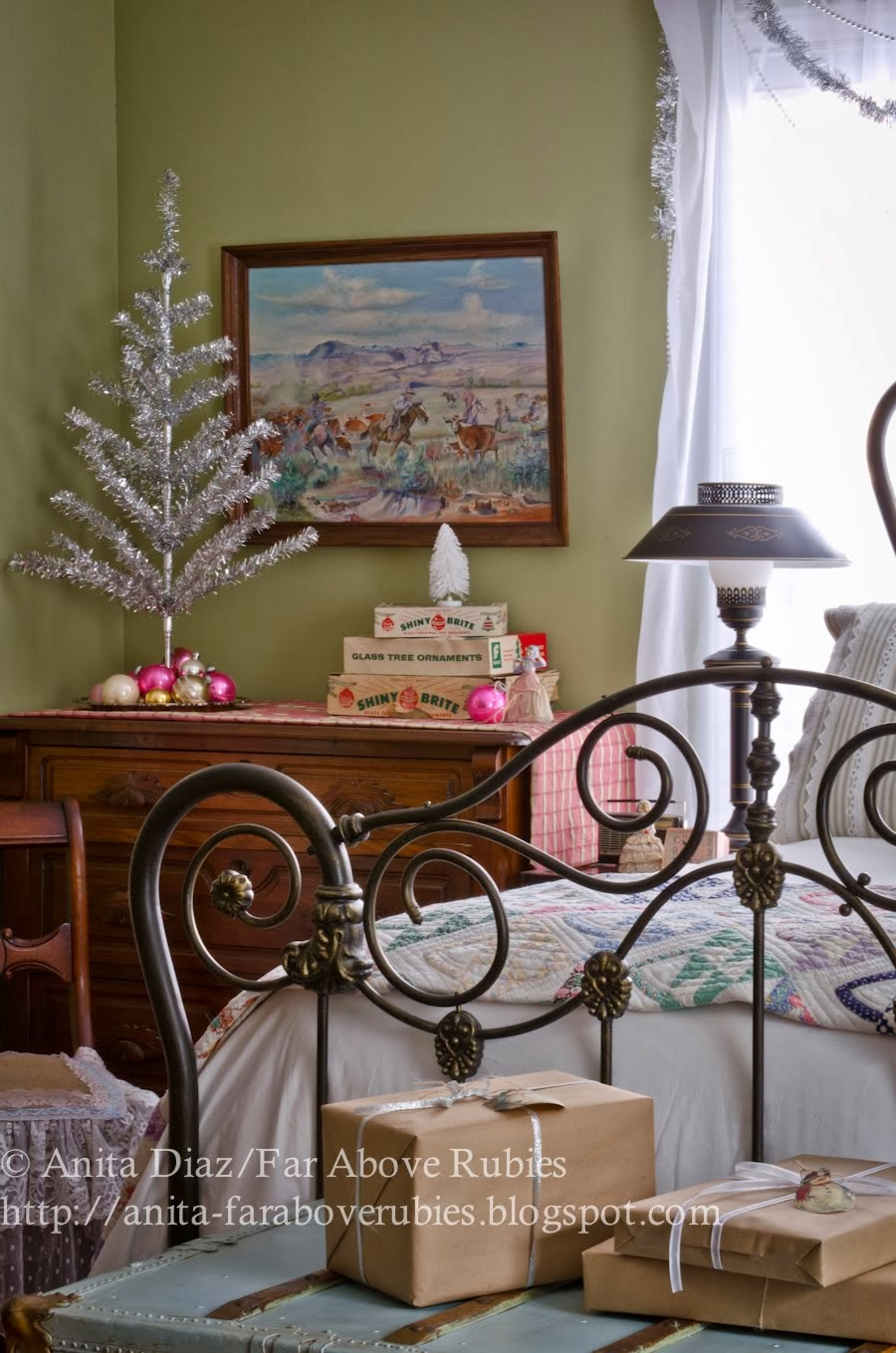 Retro Christmas Bedroom