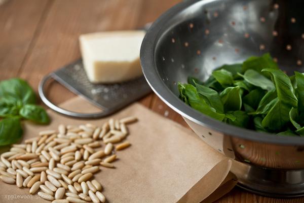 Basilikum Pinienkerne Parmigiano Pesto Zutaten Rezept