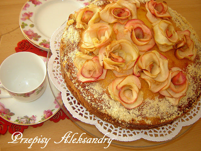 http://przepisy-aleksandry.blogspot.co.uk/2014/03/ciasto-bukiet-roz.html