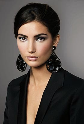Edition of the best photos with the famous and prettiest models by 2014, Lily Aldridge.